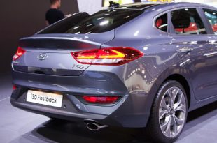 Hyundai_i30_Fastback